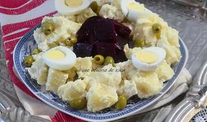 Salade de pommes de terre betteraves et mayonnaise à l'ail