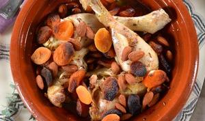 Tajine au four poulet, abricot et amandes