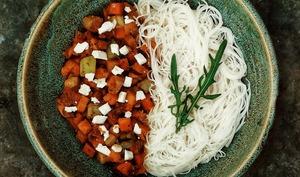 Poêlée de légumes, miel et abricots secs