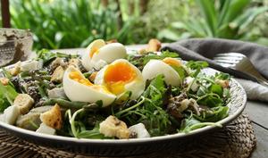 Salade haricots, artichauts, vinaigrette à la tapenade