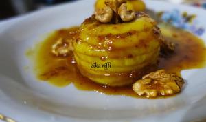 Millefeuille de pommes fondantes caramel vanille et sirop de pêches