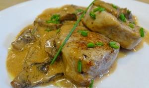 Grenadins de veau sauce aux champignons de Paris et au Porto