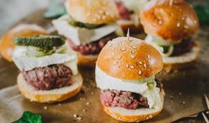 Petits burgers apéritifs au bœuf et camembert