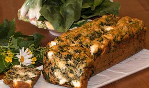 Cake aux épinards, orties et feta