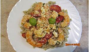 Pâtes aux crevettes tomates cerises, feta et ail