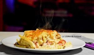 Macaroni au fromage, bacon et champignons