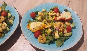 Salade healthy aux poivrons farcis et crevettes