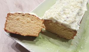 Cake à la vanille et son glaçage au chocolat blanc