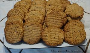 Biscuits sablés au miel et noisettes