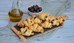Feuilletés aux olives et fromage frais