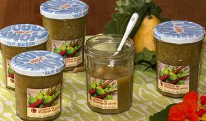 Confiture de rhubarbe et poire à la fève tonka