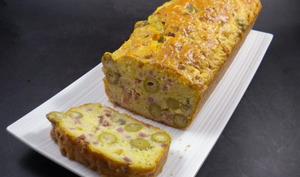 Le cake aux olives et au Comté