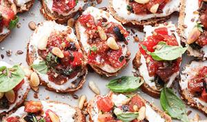 Crostini tomate et feta