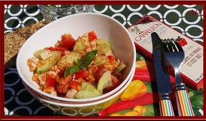 Salade de blé au poulet, poivron, tomates et basilic