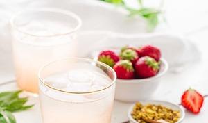 Sirop de rhubarbe et fraise zéro déchet