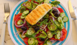 Salade grecque au kefalotyri grillé