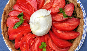 "Tarte ""salade caprese"" aux flocons d'avoine et sarrasin"