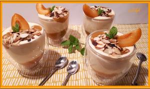 Crème au mascarpone sur compotée d'abricots et rhubarbe