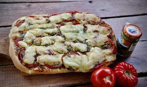 Tarte au pesto, tomates et cantal