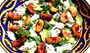 Salade de quinoa, nectarine et mozzarella