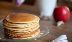 Pancakes moelleux vegan et sans sucres ajoutés