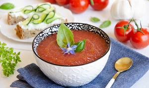 Soupe glacée tomate macérât ail blanc
