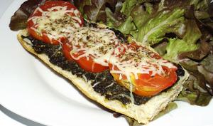 Bruschetta au pesto de plantain et tomate