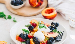 Salade mozzarella nectarines