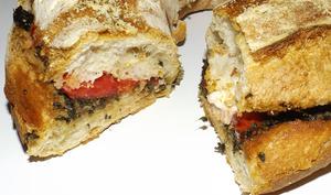 Pain couronne pesto, tomate et mozzarella