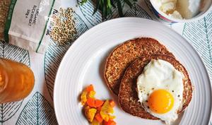 Pancakes salés au sarrasin, à la ricotta et à l'estragon
