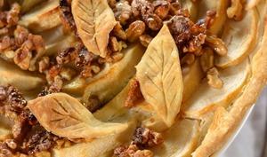 Tarte aux pommes et noix caramélisées