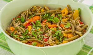 Salade de quinoa, haricots verts et poivrons