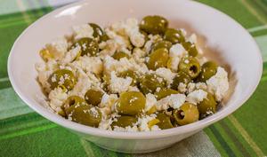 Méli mélo de fêta et d'olives