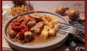 Porc mariné au curry et ananas