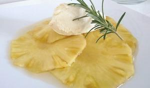 Carpaccio d'ananas au romarin