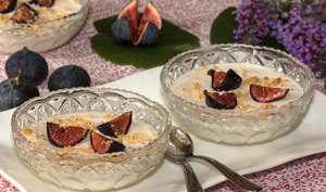 Blanc manger vanillé aux figues pochées à la fève Tonka