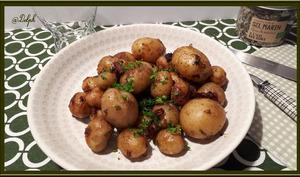 Pommes de terre grenaille, oignons frais et lardons