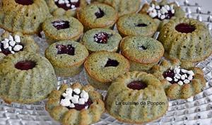 Muffin kiwi, spiruline, pavot et confiture de framboise