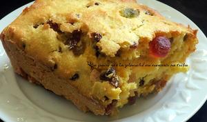 Cake à la polenta et aux fruits secs