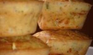 Muffins aux lardons, gruyère, persil, ciboulette et graines de pavot