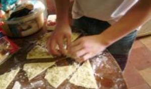 Petits Croissants à la Chipolata