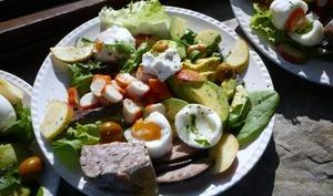 Salade de Fruits et Charcuterie