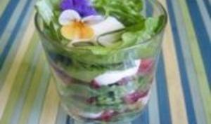 Salade de Laitue et Fraises à l'Estragon avec sa Crème Cajou