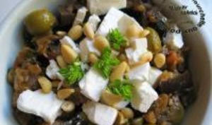 Salade de Légumes de Printemps Cuits à la Feta et aux Olives Vertes