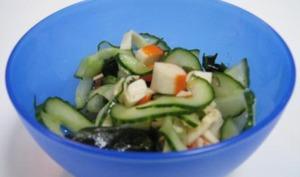 Salade de Surimi, Concombre et Algue Wakame