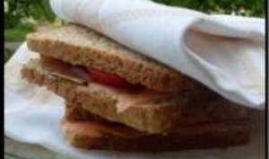 Sandwichs au Saumon Fumé et Bleu