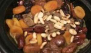 Tajine d'agneau aux fruits secs, à la fleur d'oranger et aux épices