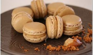 Macarons praline et caramel au beurre salé