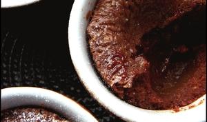 Fondant chocolat aux noix, coeur de châtaigne.