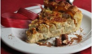 tarte à la rhubarbe, noisettes et vergeoise